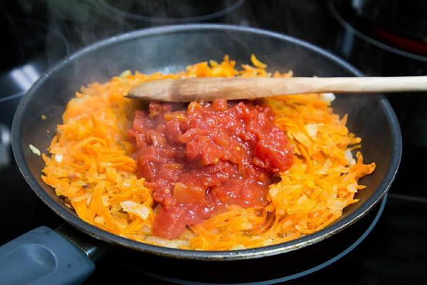 Пассеруем морковь для капустняка