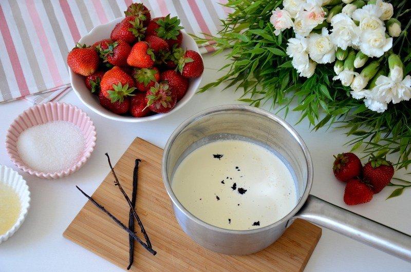 Готовим молоко и сливки для панакоты