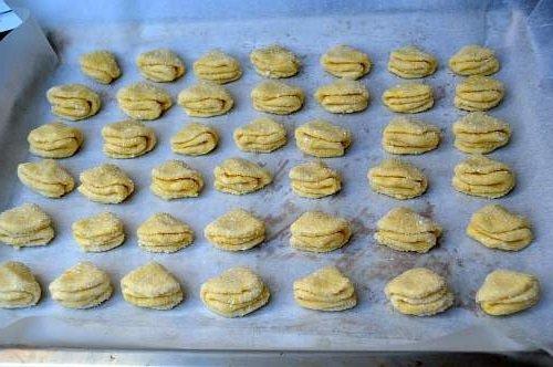 Творожное печенье вылаживаем на противень