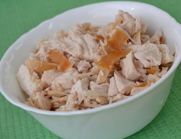 рулеты из  лаваша с курицей и плавленым сыром