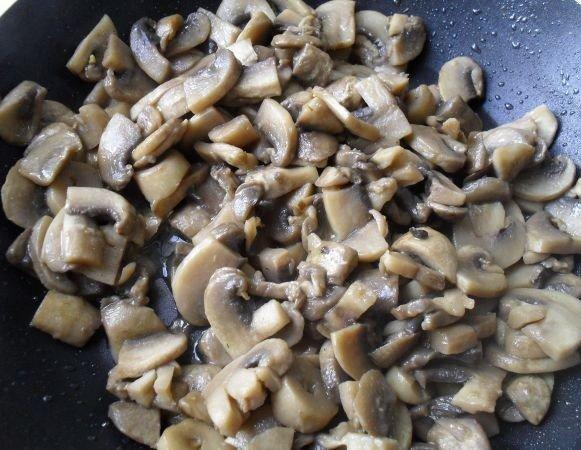 рулет из лаваша с грибами