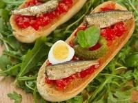 Бутерброды со шпротами3