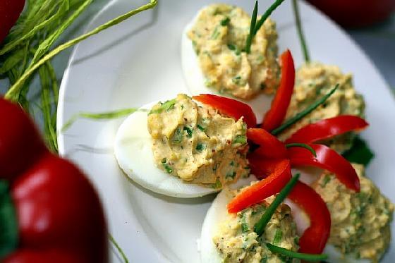 Яйца фаршированные луком 1
