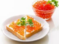 бутерброды с икрой красной