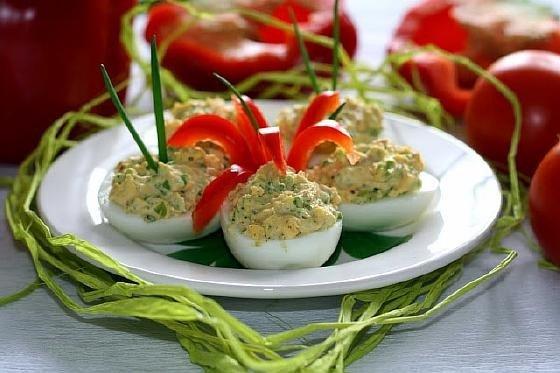 Яйца фаршированные луком