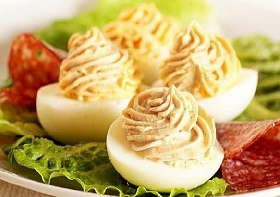 Яйца фаршированные тунцом