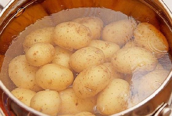 Kartofel-zapechennyi-s-lukom (2)