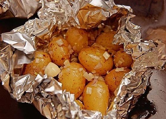 Kartofel-zapechennyi-s-lukom (4)