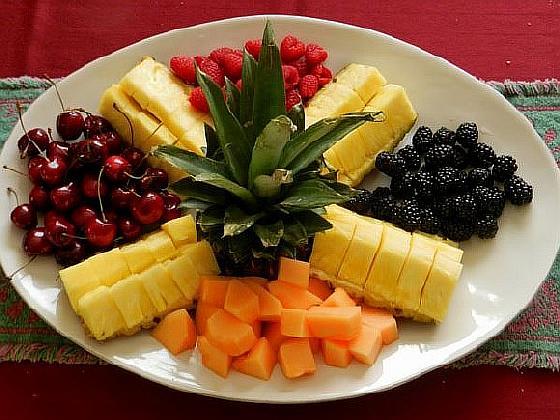 Фруктовая нарезка для украшение ...: cookingfood.com.ua/ukrashenie-blyud/fruktovaj-narezka-dlj...