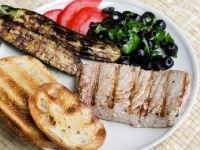 Steik iz tunca na grile (2)