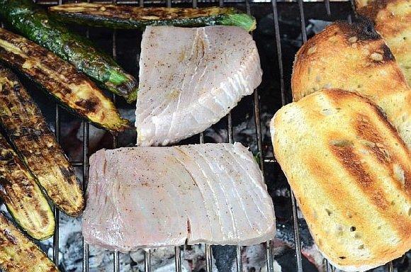 Steik iz tunca na grile (3)