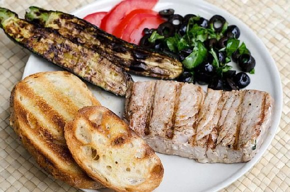 Steik iz tunca na grile