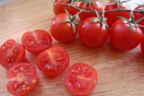 Zelenyi salat s kopchenym lososem (6)