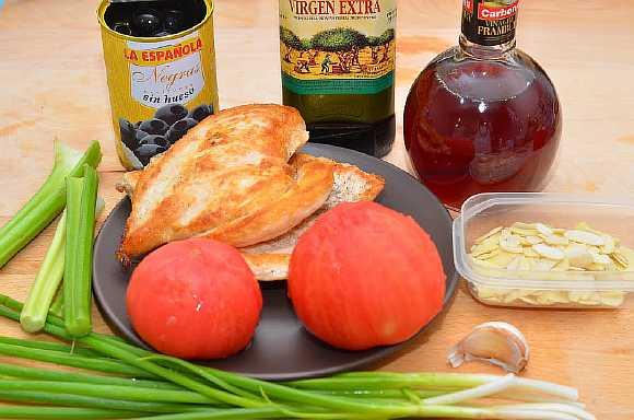 Salat s kuricei pomidorami (1)