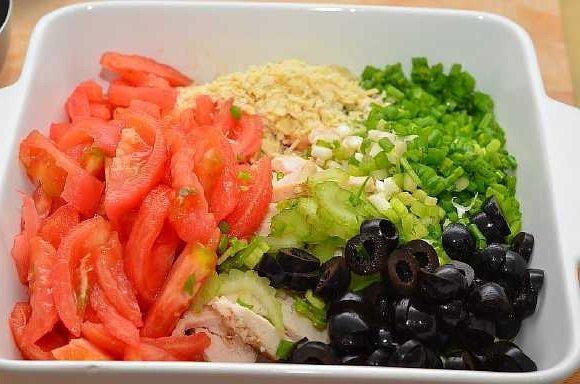 Salat s kuricei pomidorami (3)