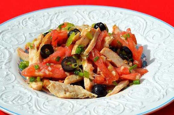 Salat s kuricei pomidorami (8)