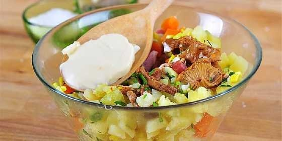 salat s marinovannymi gribami (3)
