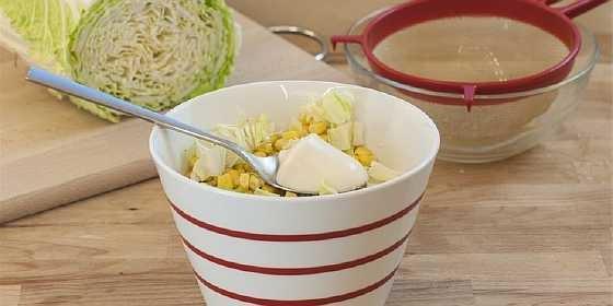 Salat iz kapusty i kukuruzy (2)