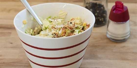 Salat iz kapusty i kukuruzy (3)