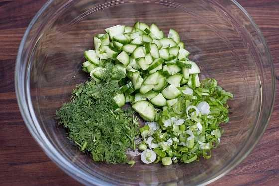 Salat s kapustoi i ogurcom (2)