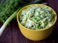 Salat s kapustoi i ogurcom (4)