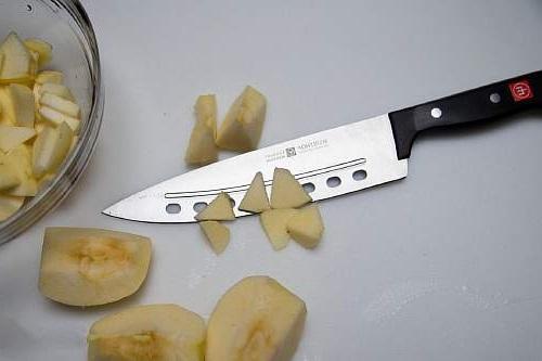 нарезание яблок для шарлотки