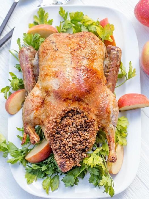 Крылья, запеченные с гречкой – кулинарный рецепт