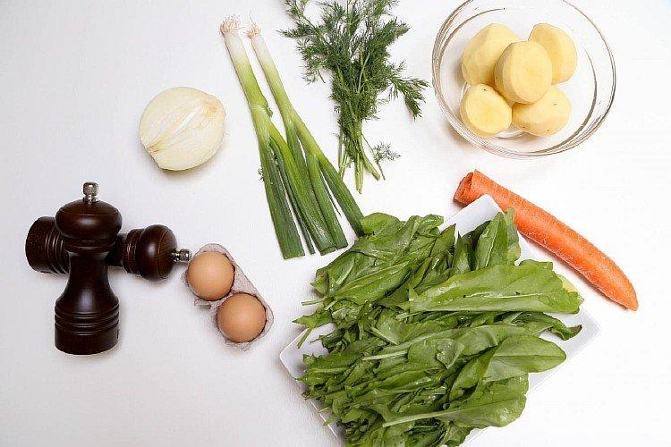 Ингредиенты для приготовления зеленого борща с щавелем