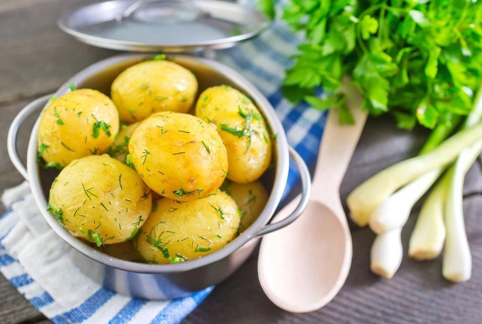 Как проверить готовность картошки?