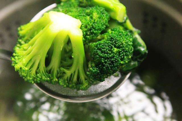 как варить брокколи свежую