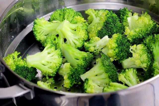 сколько варить капусту брокколи