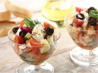 Салат с курицей по гречески
