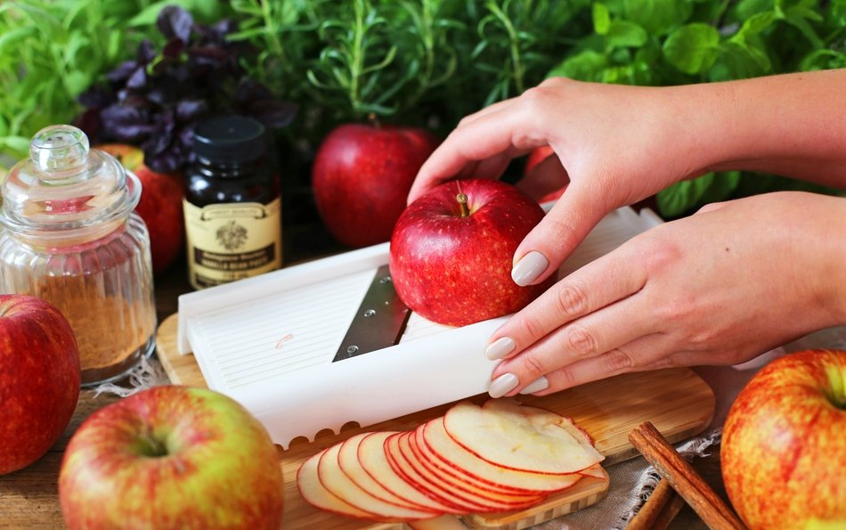 Как высушить яблоки в духовке