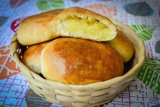 вкусные, румяные пирожки с картошкой